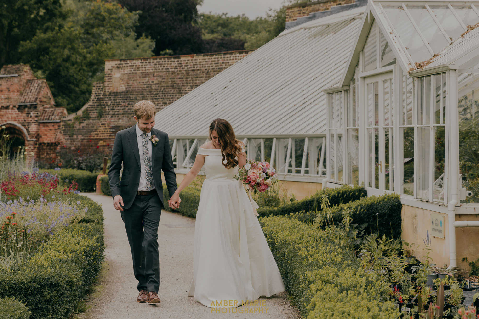 Fulham Palace walled garden wedding photos