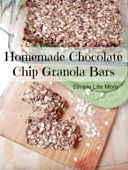 17 Natural Back to School DIYs - Homemade Granola Bars with Chia Seeds for added protein. Add chocolate chips and honey (if needed), peanut butter and oats and you're done! Quick and Easy Snack Idea! from @SimpleLifeMom