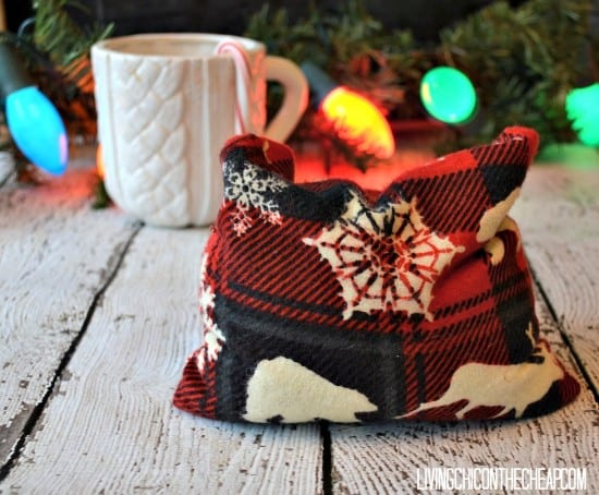 33 Natural Gift Ideas with Essential Oils: DIY Heating Pad