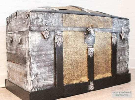 Homestead Blog Hop Feature - restoring-an-antique-steamer-trunk