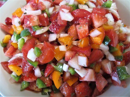 Homestead Blog Hop Feature - Fresh Strawberry Salsa Recipe