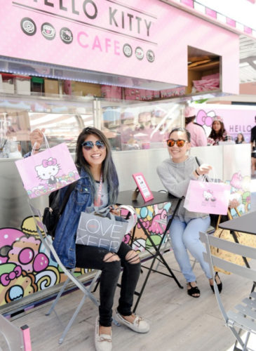 Hello-Kitty-Cafe-Pop-Up-Container---Fans-web