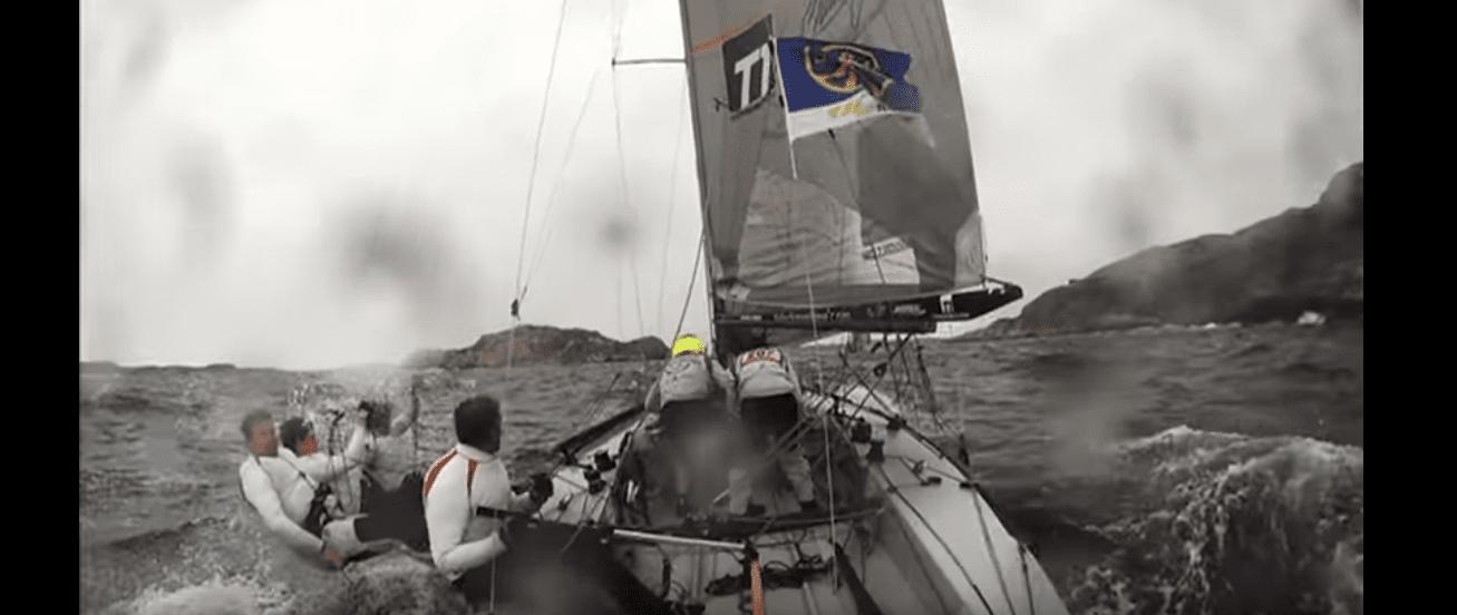 400 boats sailing Sweden
