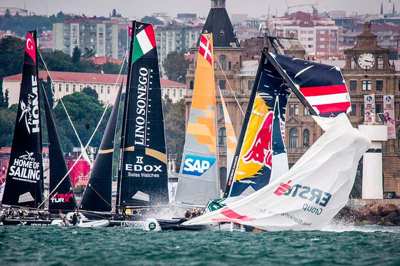 Red Bull Sailing Team's mast dramatically came down during day two in Istanbul.