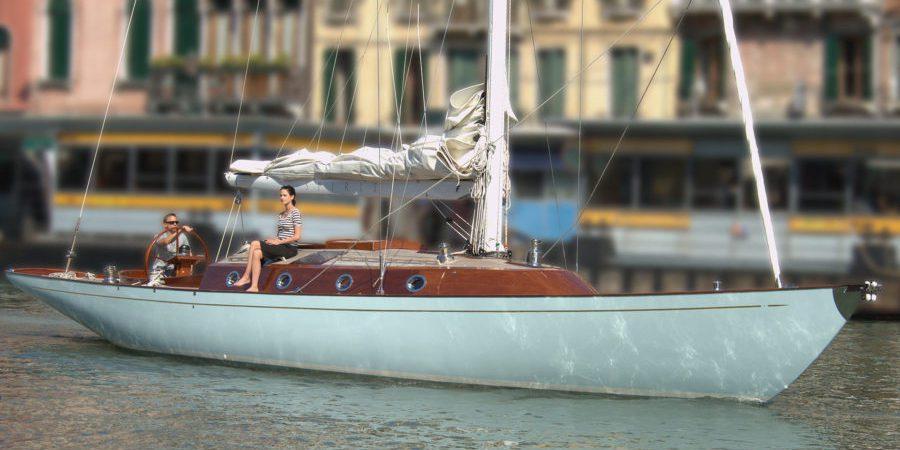 spirit-f-bond-007-luxury-yacht-4