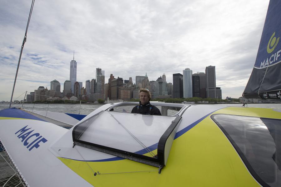 Francois Gabart a bord du Trimaran Macif a New York lors du Stand By de la Tentative de Record de la Traversee de l Atlantique Nord - Photo Alexis Courcoux / Macif