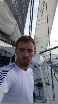 photo-sent-from-the-boat-le-souffle-du-nord-on-november-14th-2016-photo-thomas-ruyantphoto-envoyee-depuis-le-bateau-le-souffle-du-nord-le-14-novembre-2016-photo-thomas-ruyant-r-360-360