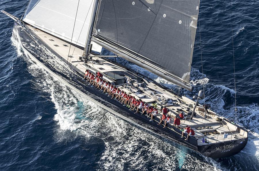 À bord du Baltic 130 My Song, le voilier le plus impressionnant de l'année