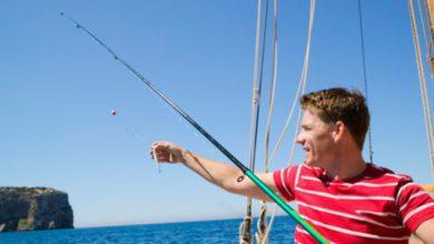 fishing from sailboats