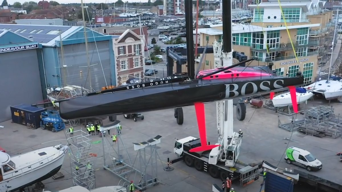 How To Install The New Hydrofoils of Hugo Boss. VIDEO