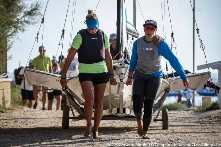 jana and Giorgia sailing