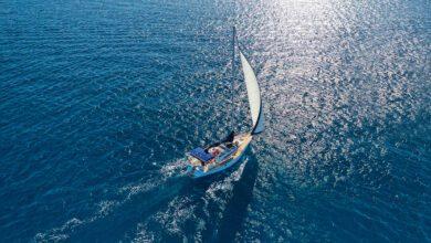 rent a sailboat