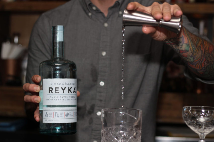 Reyka Vodka cocktail pouring