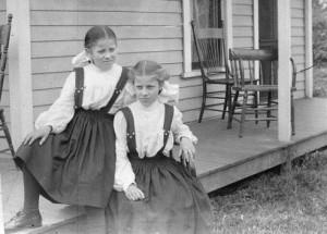 Girls on Porch EPL