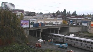 Click the above image to see a live camera shot of the Broadway Bridge project.