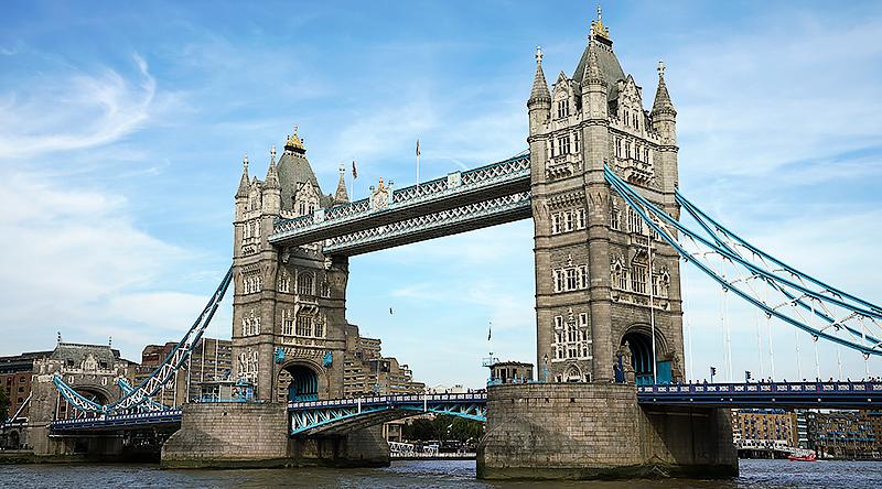 London Bridge - Travel with Mia