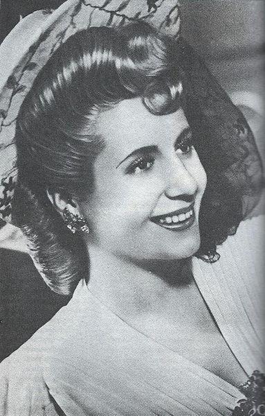 Eva_Perón_ca._1943