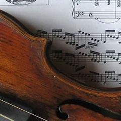 The Titanic: Wallace Hartley tribute violin