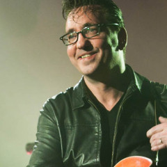 The Velvet Voice – Appreciating Richard Hawley's Coles Corner