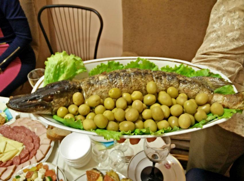 Danny-Gibson-Ukraine-food sm