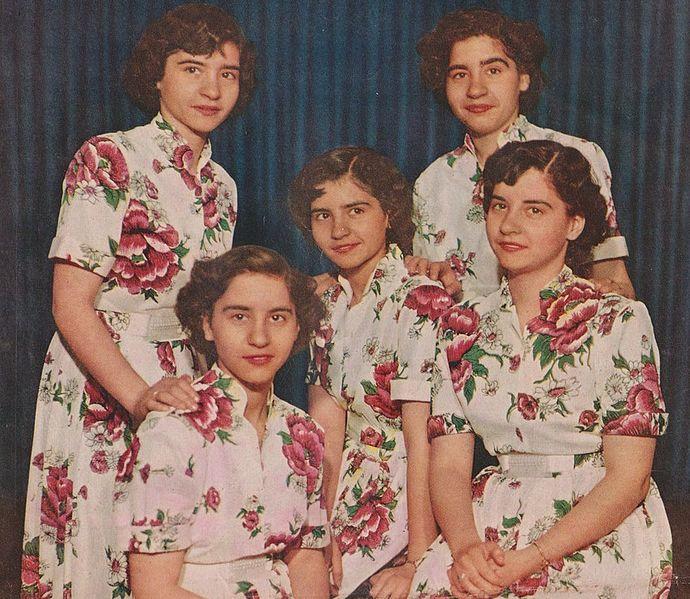 Dionne_Quintuplets1952