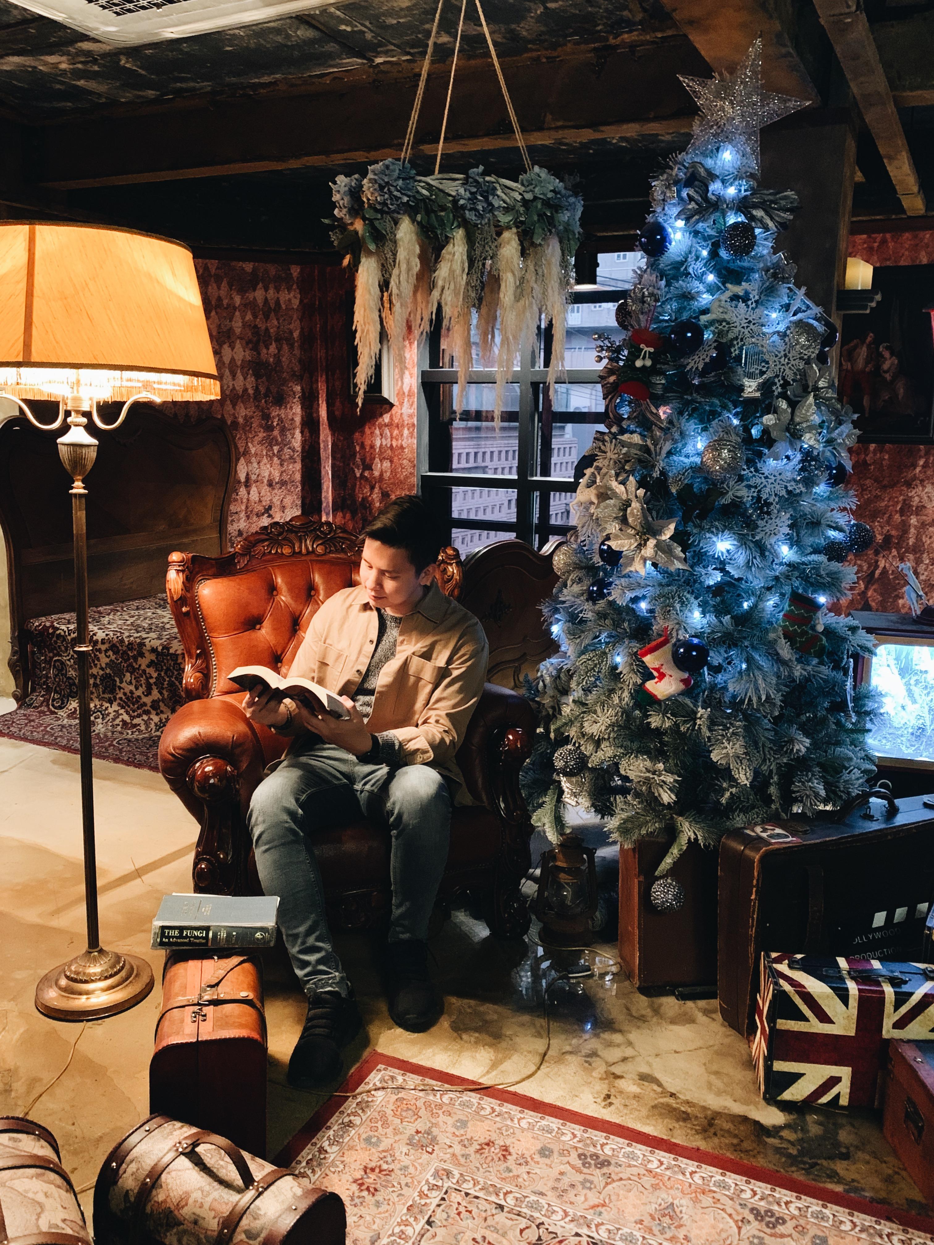 Christmas tree and photo set up