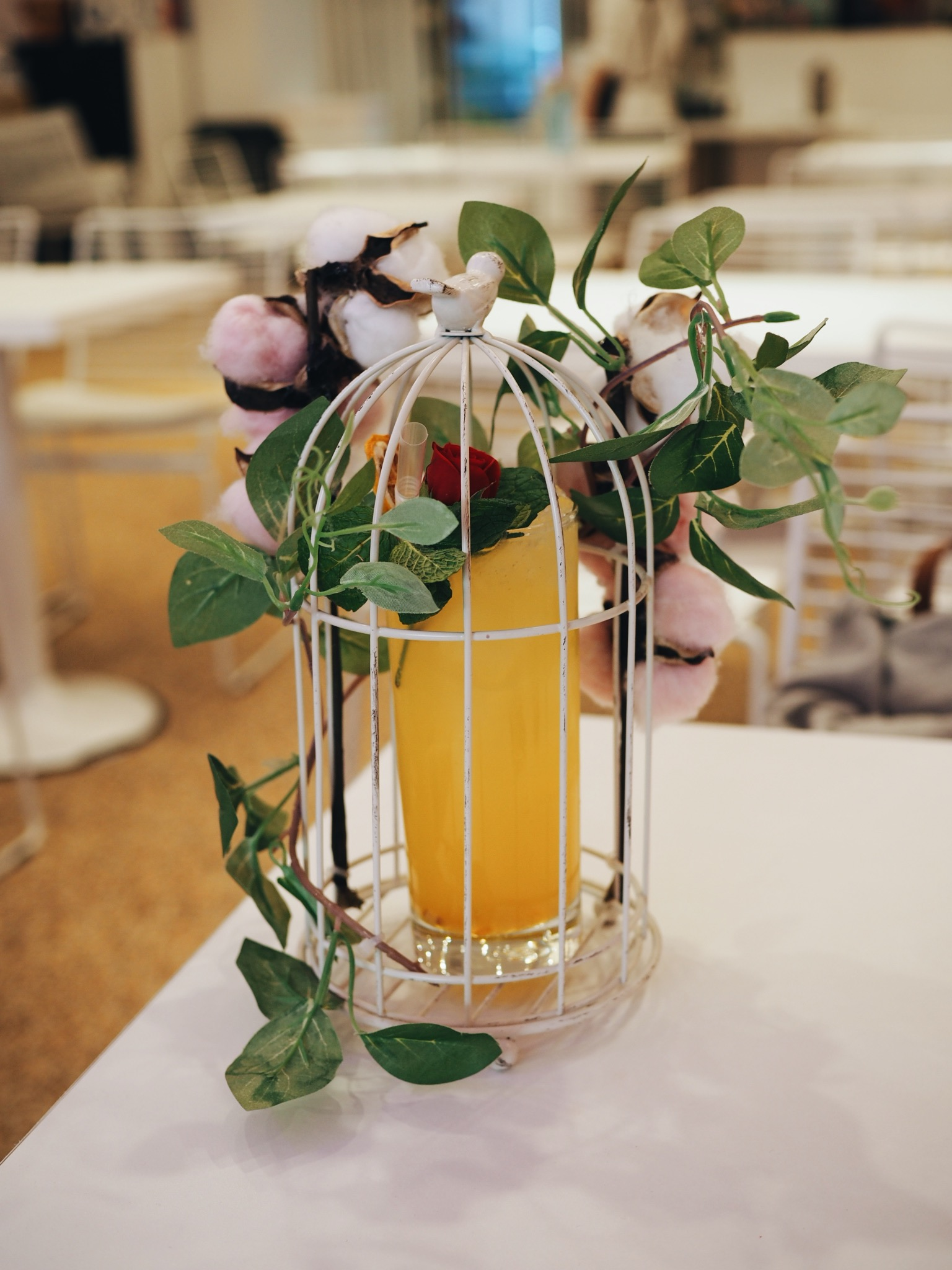 Urban Space drink in small cage