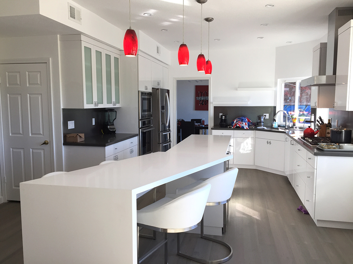 Kitchen Remodel with White Lacquer and Island-Nook Combo in Calabasas CA