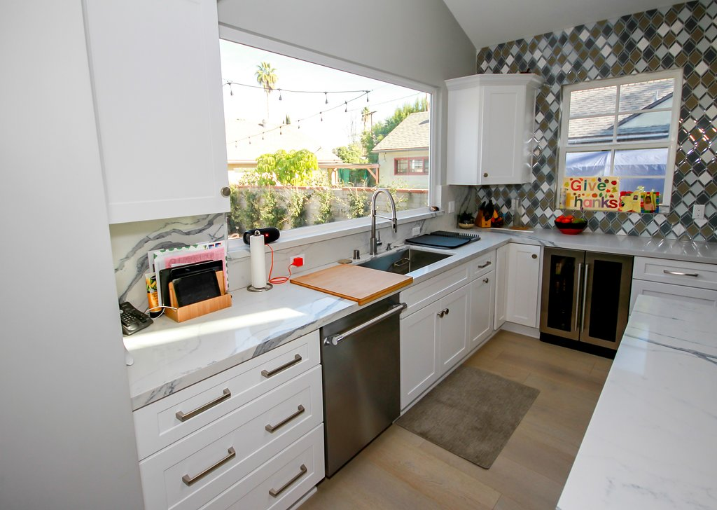 Kitchen Remodel with White Shaker, Grey Island and Quartz Countertop in Sherman Oaks CA