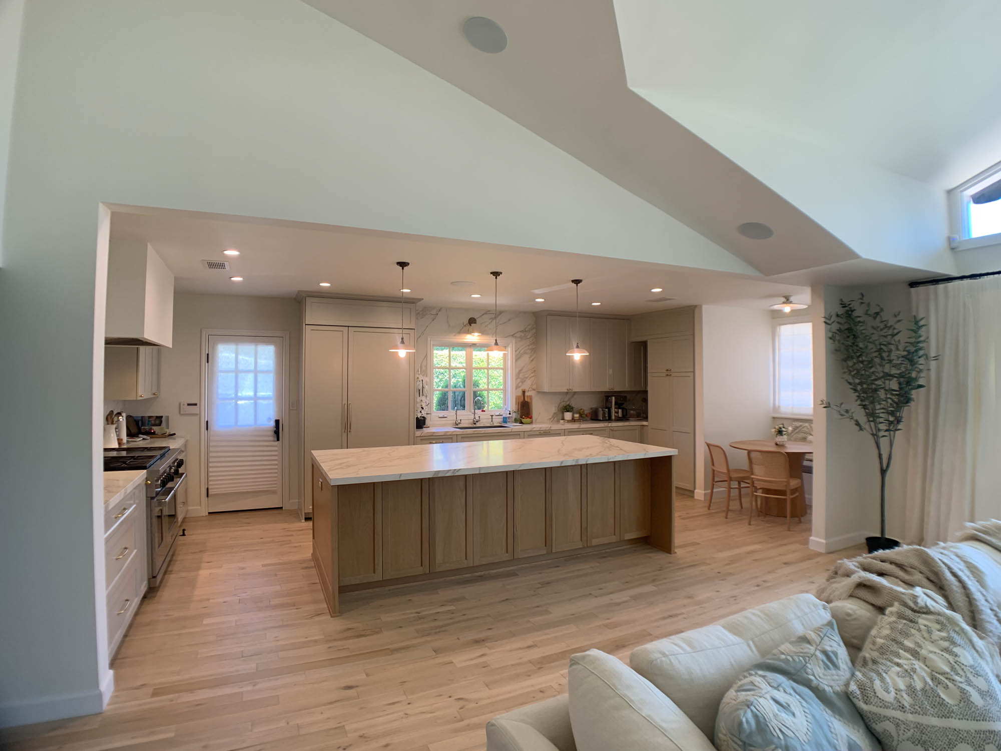 General Interior Remodel in Brentwood Heights CA
