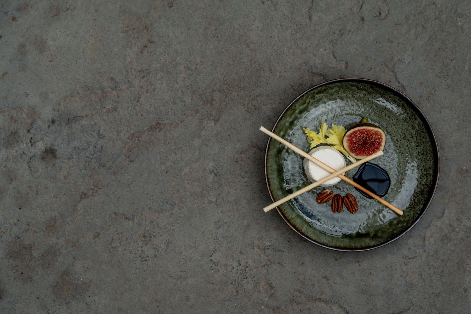 Fig Green Plate 10