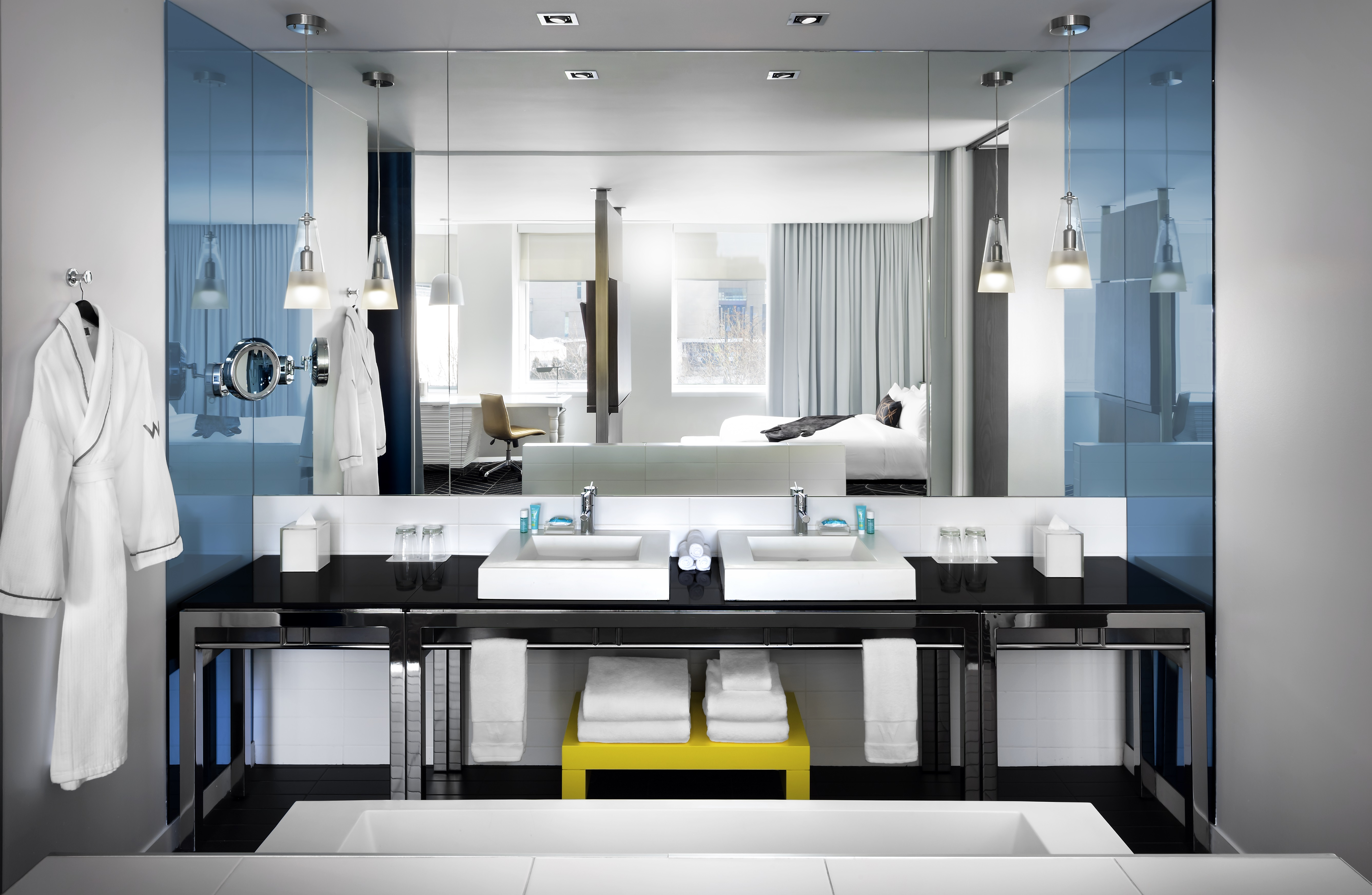 FANTASTIC SUITE BATHROOM