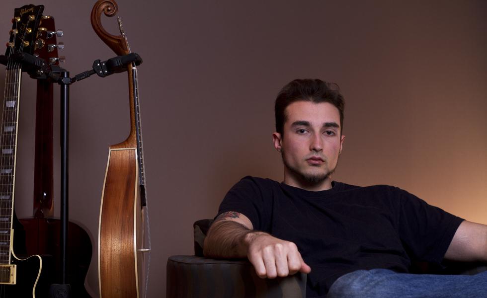 Andrew Moniz in Studio