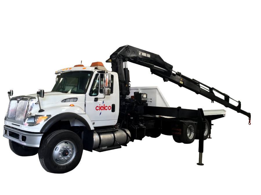 Grúa Hiab 300-5 sobre camión 6×4 International 7600 de 56,000 libras