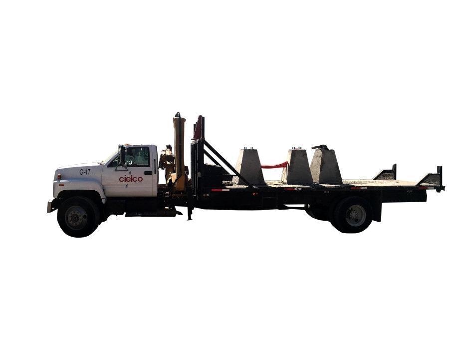 Grúa Tico 980H sobre camión GMC