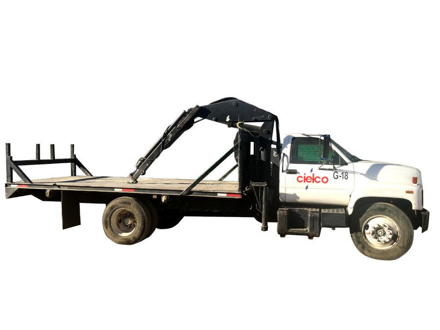 Grúa Prentice TFB-25 sobre camión GMC