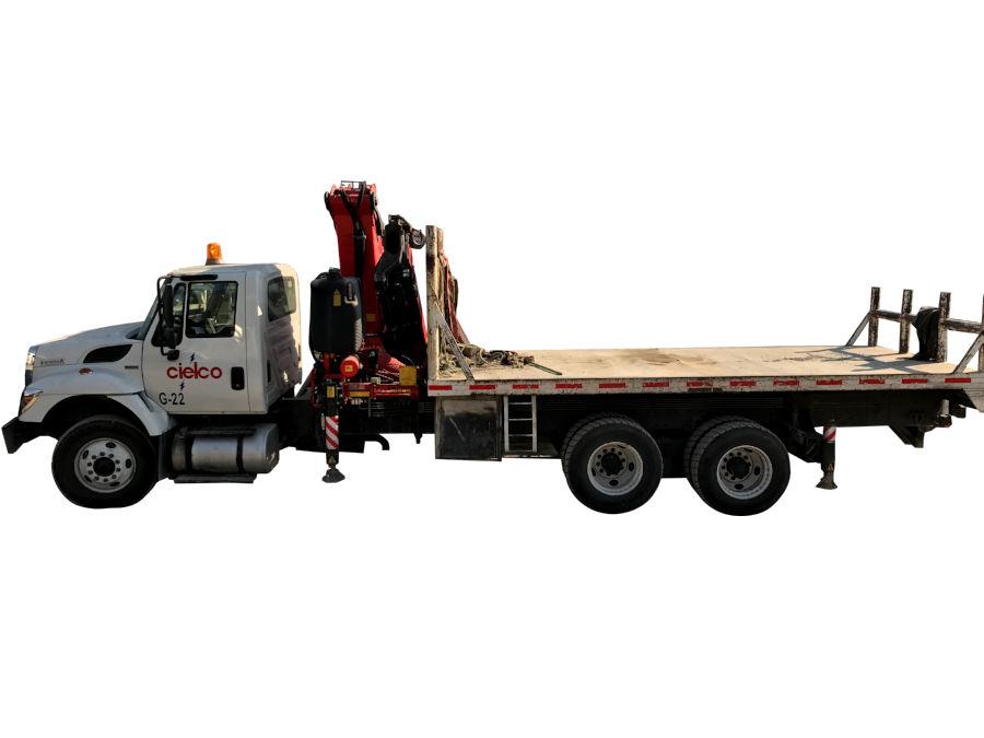 Grúa Fassi 385 sobre camión 6×4 Worker 7400 International de 60,000 libras