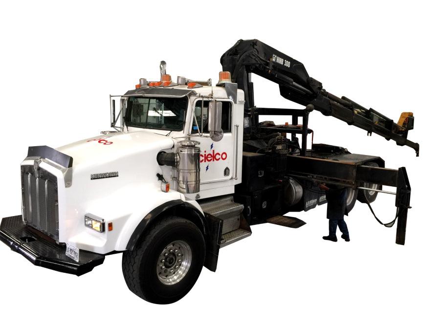Tracto camión 6×4 International 8600 SBA