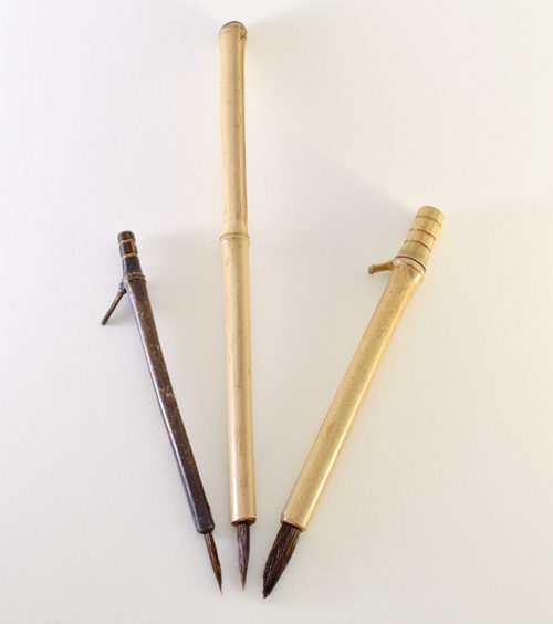 1.5 inch Sabeline bristle with bamboo cane handle.