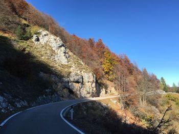italiainpiega-pieghe-meravigliose-itinerari-moto-nord-italia-monte baldo e monte bondone-sp8 del brentonico 3