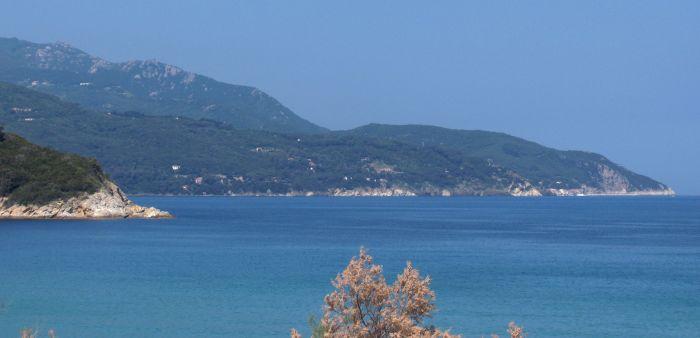 italiainpiega-pieghe meravigliose-itinerari-moto-centro-italia-isola d'elba-golfo di procchio