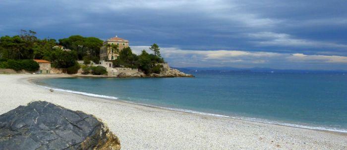 italiainpiega-pieghe meravigliose-itinerari-moto-centro-italia-isola d'elba-spiaggia frugoso