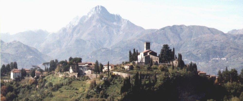 italiainpiega-pieghe meravigliose-itinerari-moto-centro-italia-garfagnana-barga