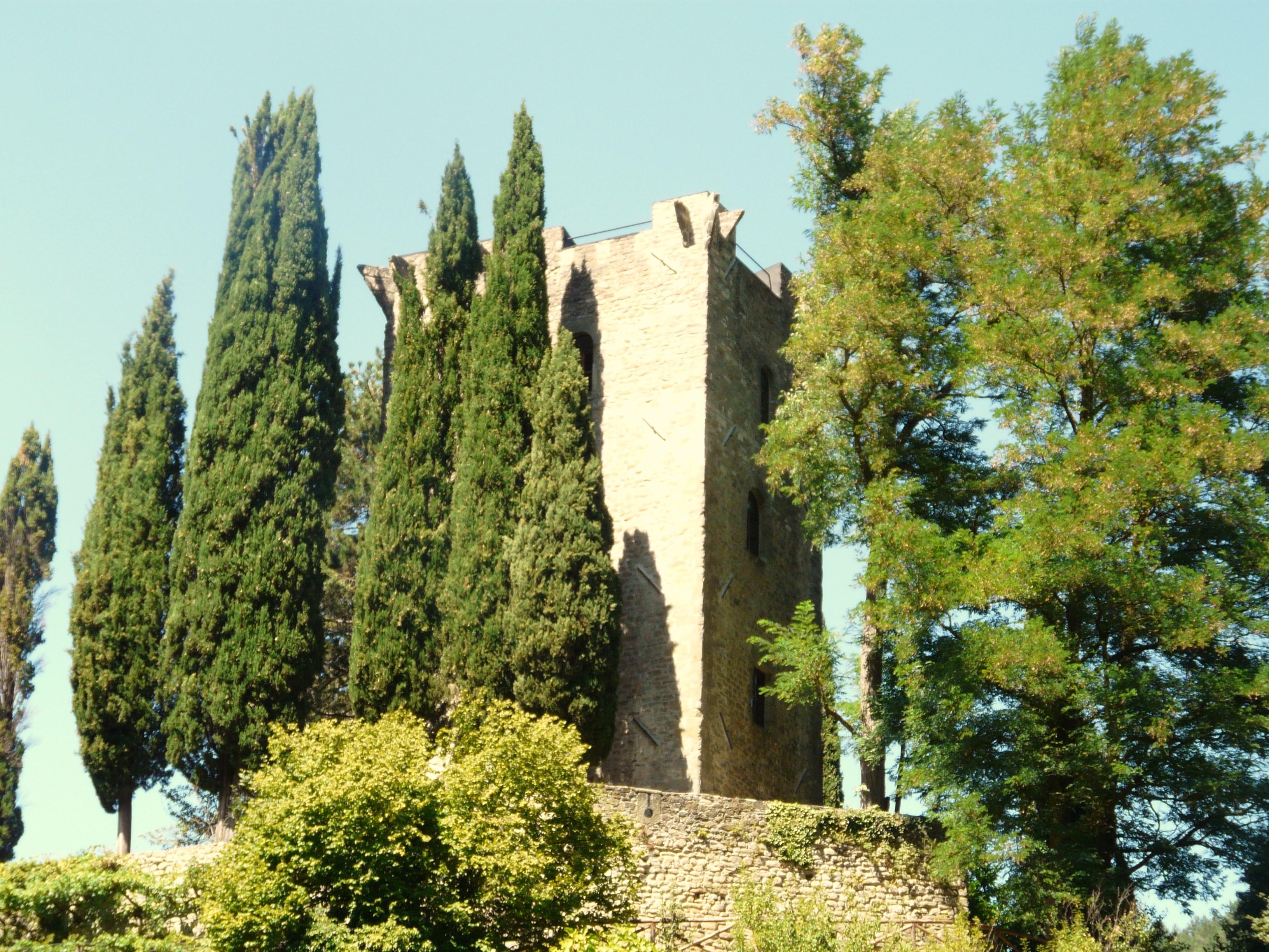 italiainpiega-pieghe meravigliose-itinerari-moto-centro-italia-garfagnana-fortezza verrucola2