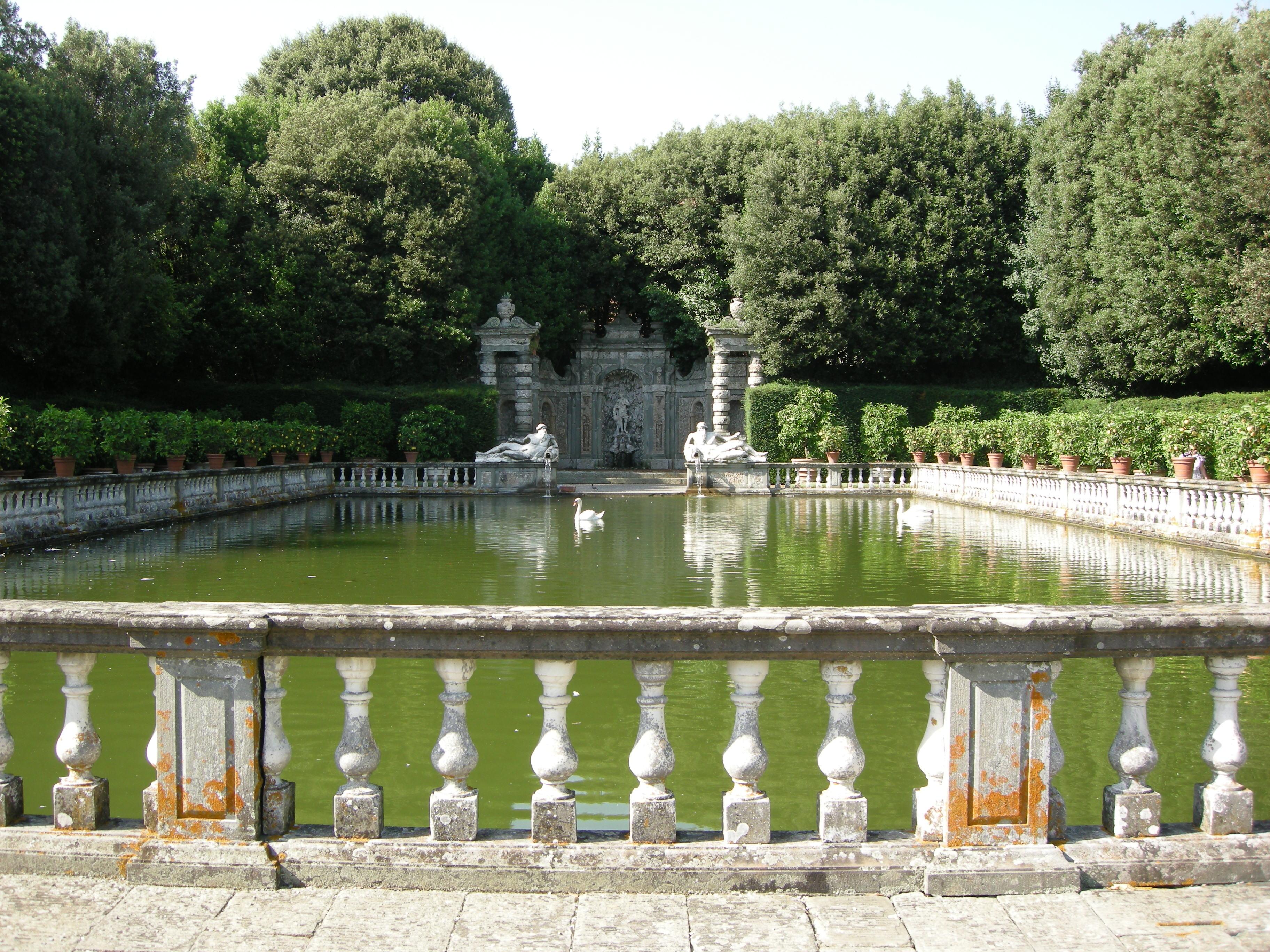 italiainpiega-pieghe meravigliose-itinerari-moto-centro-italia-garfagnana-villa reale marlia 2