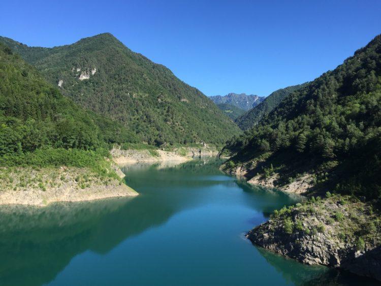 italiainpiega-motoenonsolomoto-un sabato al fresco-lago di valvestino
