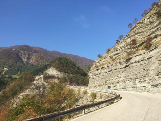 italiainpiega-pieghe meravigliose-itinerari moto centro italia-gola del furlo-passo dei mandrioli 1