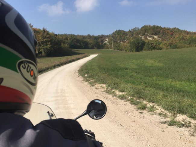 italiainpiega-pieghe meravigliose-itinerari moto centro italia-gola del furlo-passo della spugna