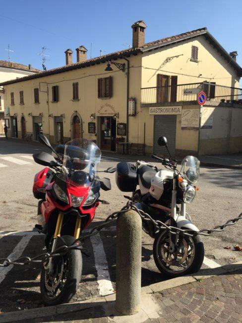 italiainpiega-pieghe meravigliose-itinerari  moto centro italia-tempio del valadier-carpegna