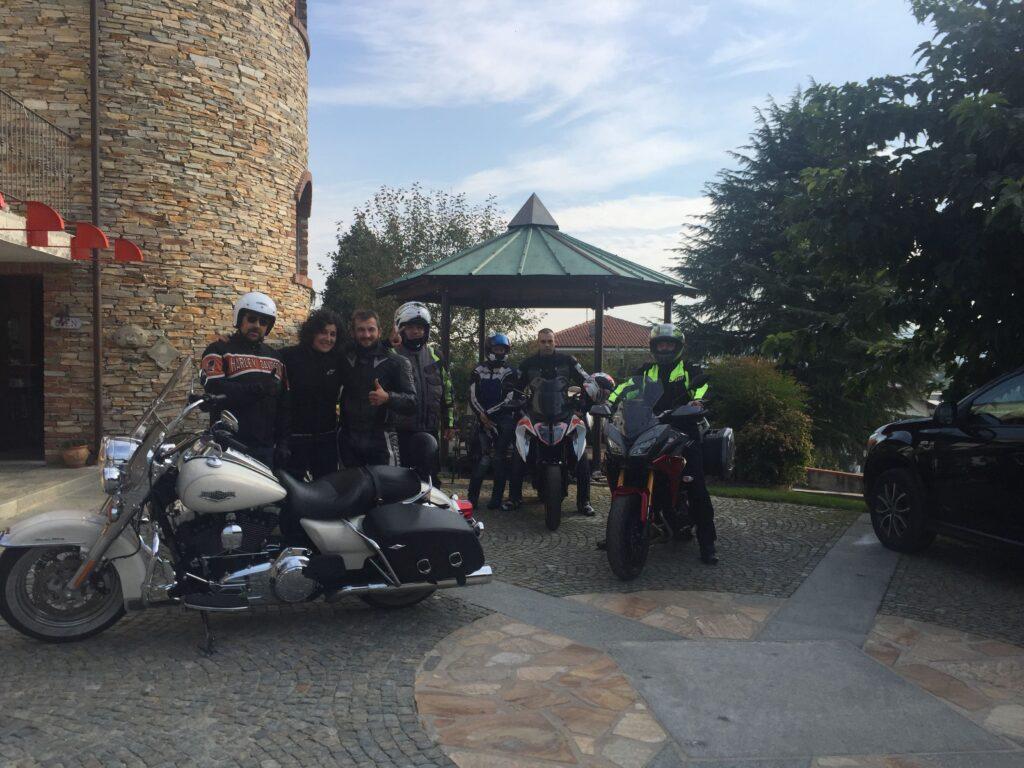 italiainpiega-pieghe meravigliose-itinerari moto nord italia-langhe e roero-carrù-B&B torre in langa